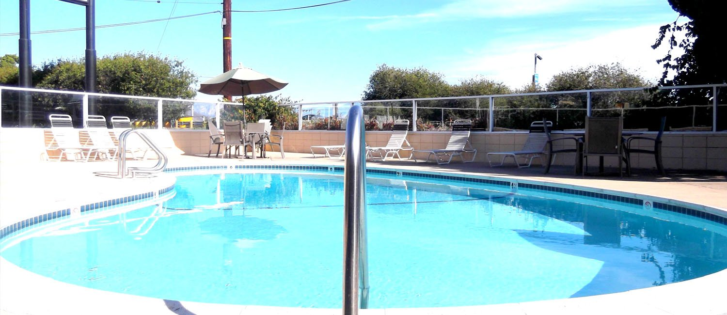 Relax Inn and Suites Pool